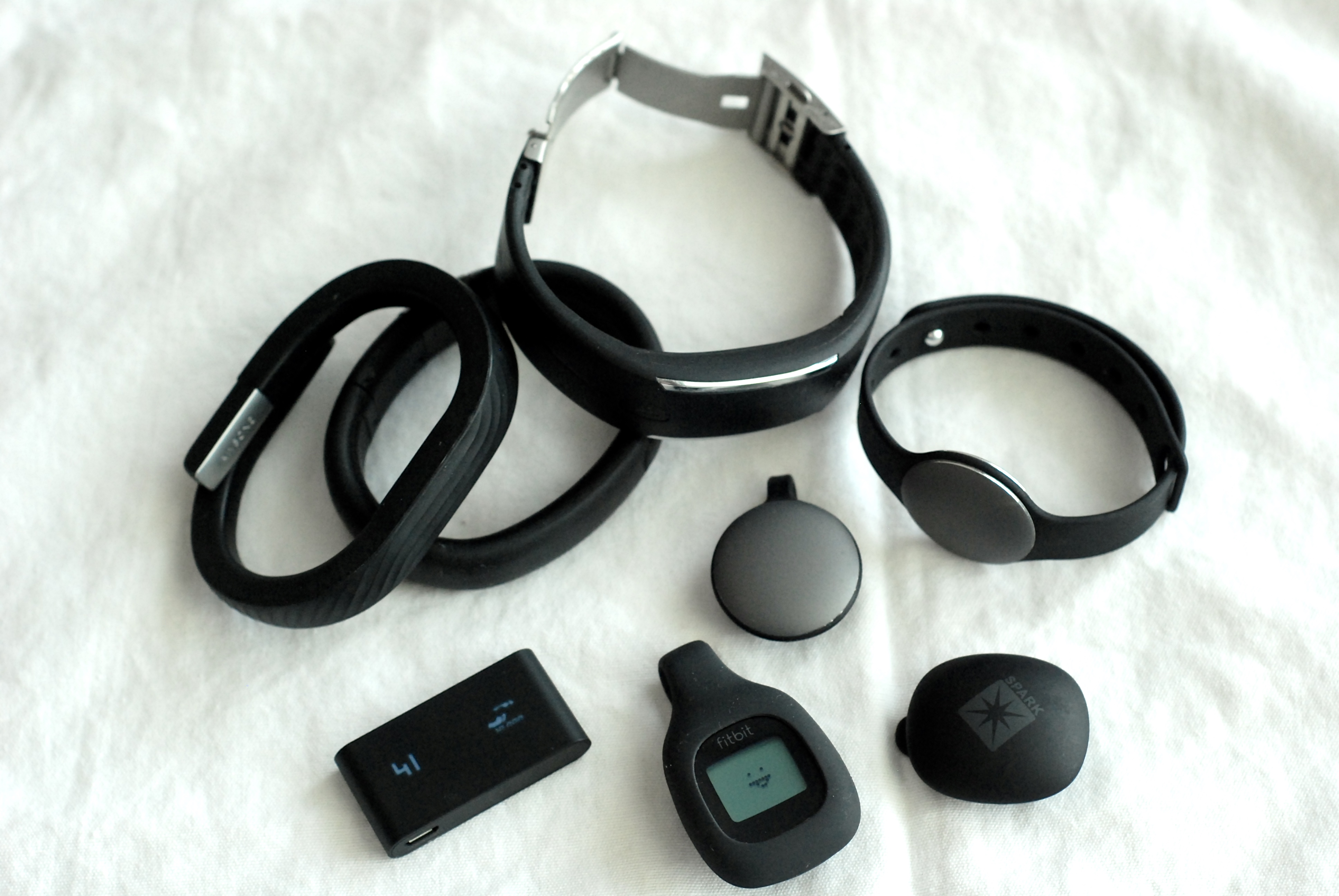 figure 1 wearable fitness trackers